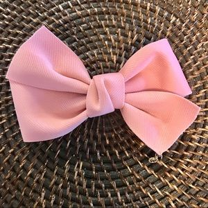 Accessories - NWT Beautiful Pink Hair Clip-On Bow
